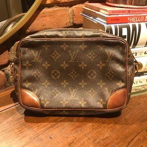 Vintage Authentic Louis Vuitton Trocadero 24
